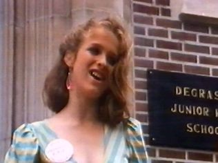 The Degrassi Junior High Gallery on YCDTOTV.de   Path: www.YCDTOT.de/djh_img/c2_044.jpg
