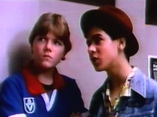 The Degrassi Junior High Gallery on YCDTOTV.de   Path: www.YCDTOT.de/djh_img/c5_040.jpg