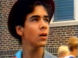 The Degrassi Junior High Gallery on YCDTOTV.de   Path: www.YCDTOT.de/djh_img/e2_096.jpg