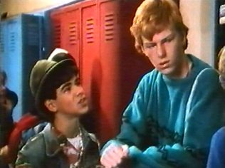 The Degrassi Junior High Gallery on YCDTOTV.de   Path: www.YCDTOT.de/djh_img/f2_015.jpg