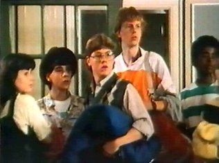 The Degrassi Junior High Gallery on YCDTOTV.de   Path: www.YCDTOT.de/djh_img/f2_048.jpg
