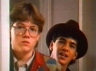 The Degrassi Junior High Gallery on YCDTOTV.de   Path: www.YCDTOT.de/djh_img/f2_194.jpg