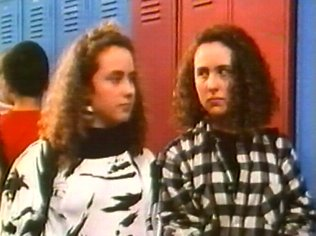The Degrassi Junior High Gallery on YCDTOTV.de   Path: www.YCDTOT.de/djh_img/f2_203.jpg